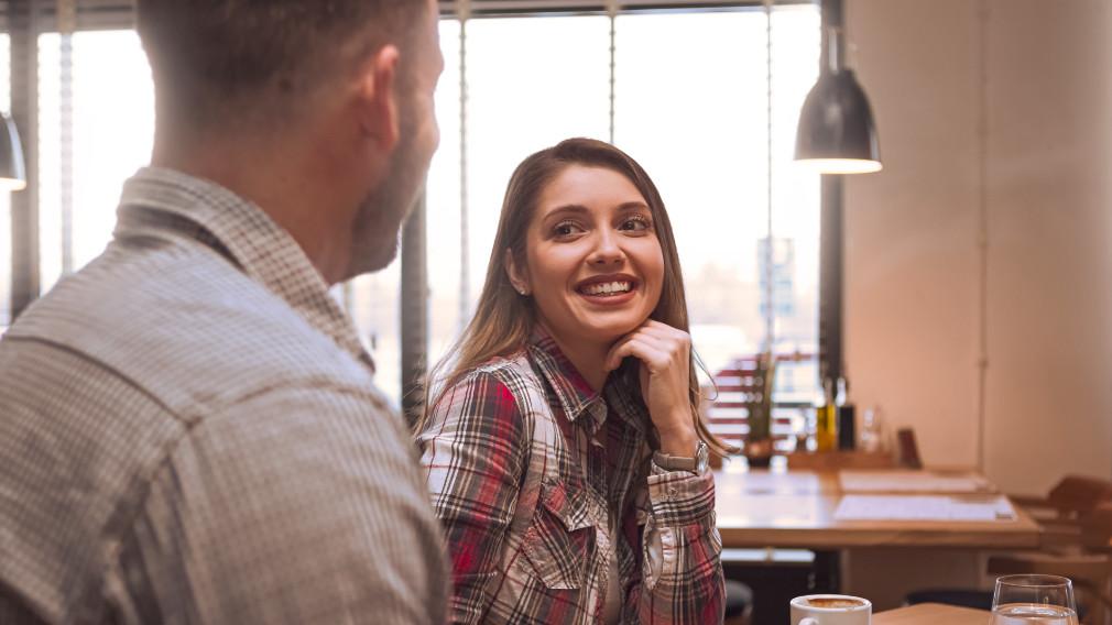 3 Flirting Tips for Guys