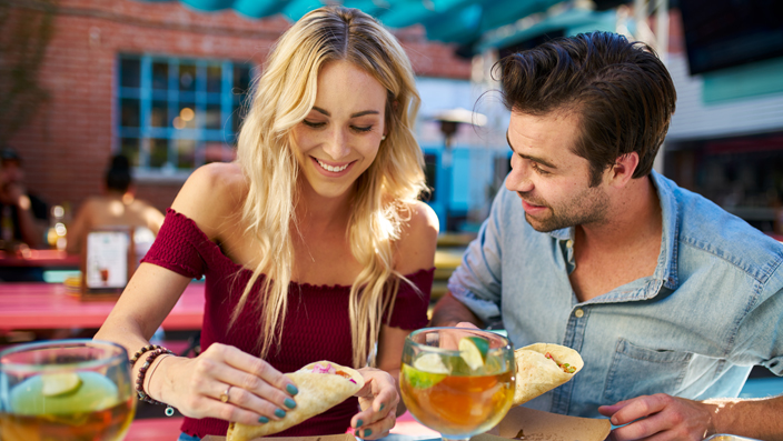 4 Examples of How to Ask Your Ex to Hang Out | The Modern Man
