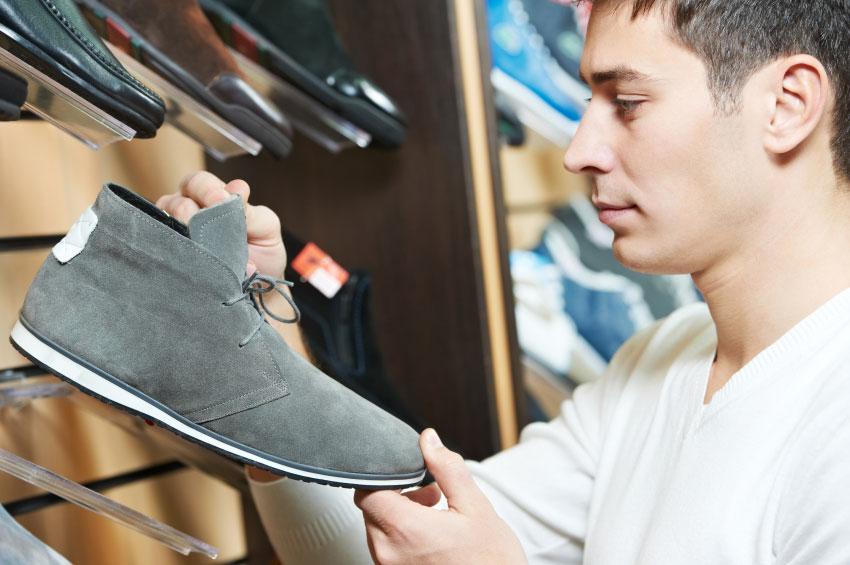 Do women notice men's shoes?