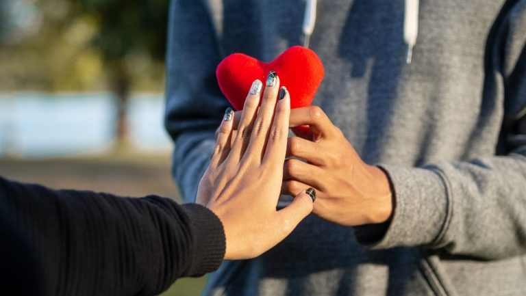 Surprising Your Ex Girlfriend With a Romantic Gesture to