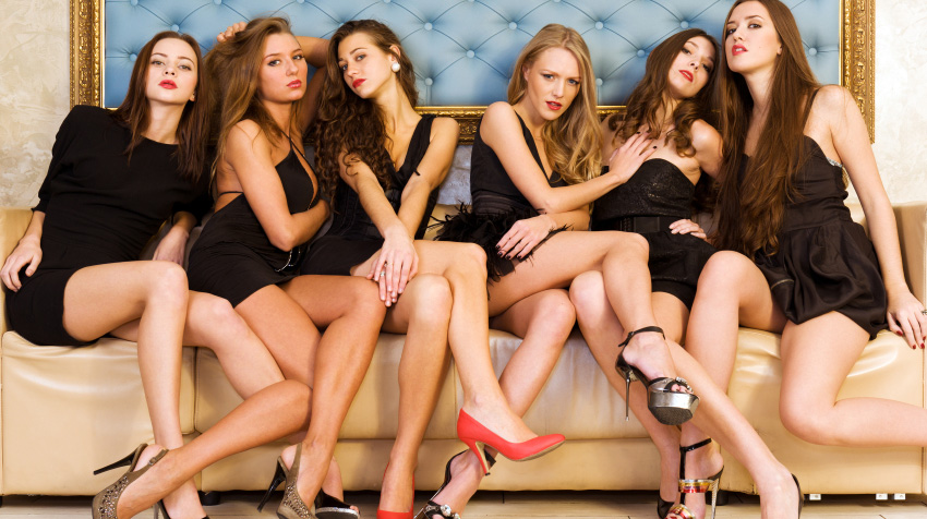 How to pick up beautiful women who play hard to get