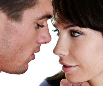 How and when to first kiss a woman