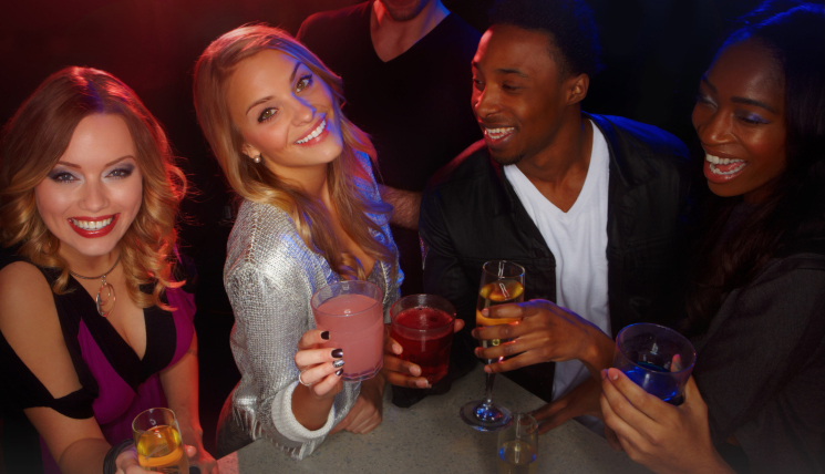 What to say to get a woman's number in a bar or nightclub