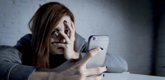 6 Possible Reasons Why Your Ex Replies to Your Texts in a
